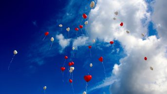 balloons-clouds-fly-33479