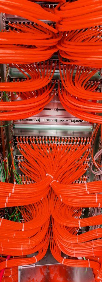 Netzwerk Switch Anschlüsse in einem Serverrack